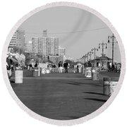 Coney Island Boardwalk In Black And White Round Beach Towel