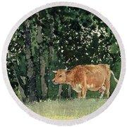 Cow In Pasture Round Beach Towel