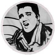 Elvis In Black And White Round Beach Towel