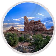Eye View Of Arches Round Beach Towel