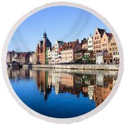 Gdansk Old Town And Motlawa River Round Beach Towel