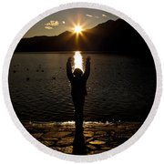 Girl With Sunset Round Beach Towel