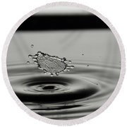 High-speed Flash Photograph Liquid Coronet. Round Beach Towel