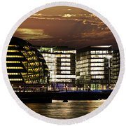 London City Hall At Night Round Beach Towel