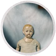 Old Doll Round Beach Towel