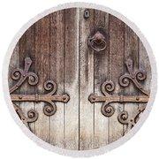 Old Wooden Door Round Beach Towel