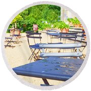 Outdoor Cafe Round Beach Towel