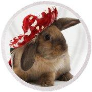 Rabbit Wearing A Hat Round Beach Towel