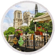 Restaurant On Seine Round Beach Towel
