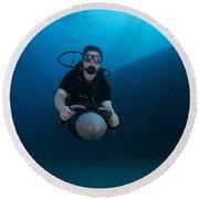 Scuba Diver Uses A Diver Propulsion Round Beach Towel