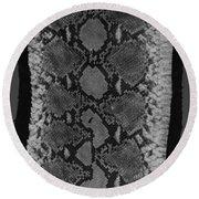 Snake Skin In Black And White Round Beach Towel