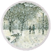 Snowing In The Park Round Beach Towel