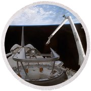 Space Shuttle Discoverys Payload Bay Round Beach Towel