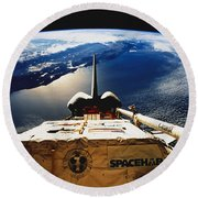 Space Shuttle Endeavour Round Beach Towel