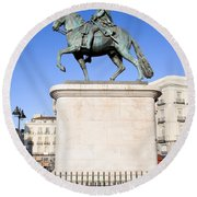 Statue Of King Charles IIi In Madrid Round Beach Towel