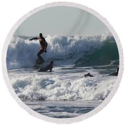 Surfers At Porthtowan Cornwall Round Beach Towel