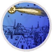 The Great Comet Of 1556 Round Beach Towel by Science Source