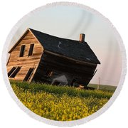 Weathered Old Farm House In Scenic Saskatchewan Round Beach Towel