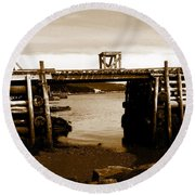 Wharf At Low Tide Round Beach Towel