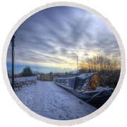 Winter At The Boat Inn Round Beach Towel