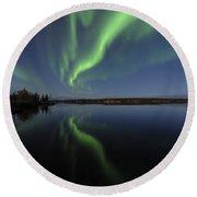 Aurora Borealis Over Long Lake Round Beach Towel