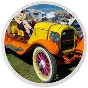 1915 Speedster Round Beach Towel