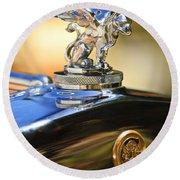 1929 Gardner Series 120 Eight-in-line Roadster Hood Ornament Round Beach Towel