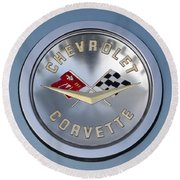 1959 Corvette Emblem Round Beach Towel