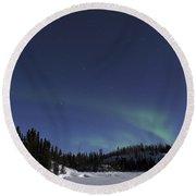 Aurora Over Vee Lake, Yellowknife Round Beach Towel