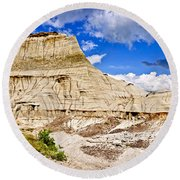 Badlands In Alberta Round Beach Towel