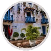 Colonial Buildings In Old Cartagena Colombia Round Beach Towel