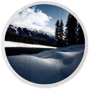 Open Water In Winter Round Beach Towel
