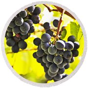 Red Grapes Round Beach Towel