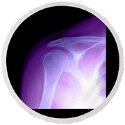 Tendinitis Round Beach Towel by Medical Body Scans