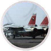 An F-14d Tomcat On The Flight Deck Round Beach Towel