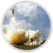 Space Shuttle Atlantis Lifts Round Beach Towel