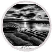 Red Rock Beach Round Beach Towel