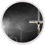 Good Friday - Crucifixion Of Jesus Bw Round Beach Towel