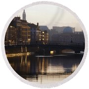 River Liffey, Dublin, Co Dublin, Ireland Round Beach Towel