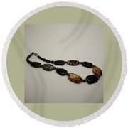 3617 Crackle Agate And Onyx Necklace Round Beach Towel