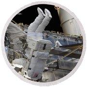 Astronaut Participates Round Beach Towel