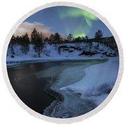 Aurora Borealis Over Tennevik River Round Beach Towel