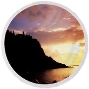 Dunluce Castle, Co Antrim, Ireland Round Beach Towel