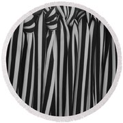 5 Ties In Black And White Round Beach Towel