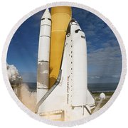 Space Shuttle Atlantis Lifts Round Beach Towel