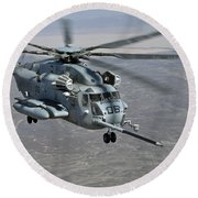 A Ch-53e Super Stallion Approaches Round Beach Towel