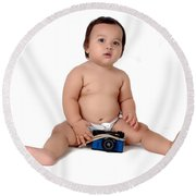 A Chubby Little Girl Sit With A Vintage Camera  Round Beach Towel