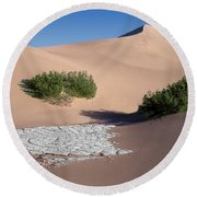 A Death Valley View Round Beach Towel