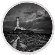 A Path To Enlightment Bw Round Beach Towel