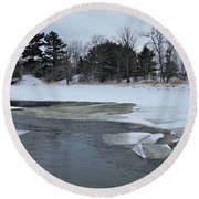 A Stream In Ice Round Beach Towel